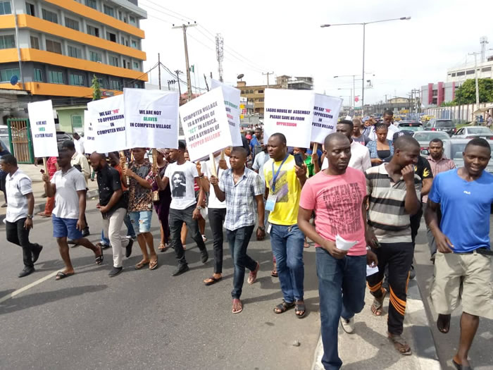 Police fire teargas at Democracy Day protesters in Lagos, Abuja